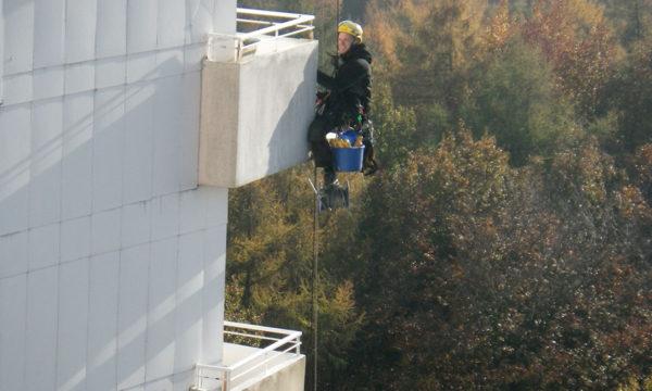 Dauerelastische Fugensanierung an Balkonen